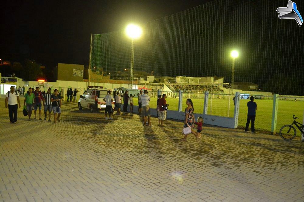 c7739a181f75c A primeira partida foi entre o time do Esplanada contra o Vasco de Limeira.  Os dois times lutaram pela classificação